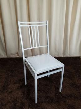 Cadeira de Ferro Empilhável Barcelona Branca