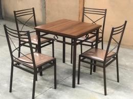 Conjunto Paróquia- Mesa com Cadeiras